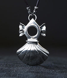 Telos Magic Venus Talisman Pendant Silver Front View With Sand