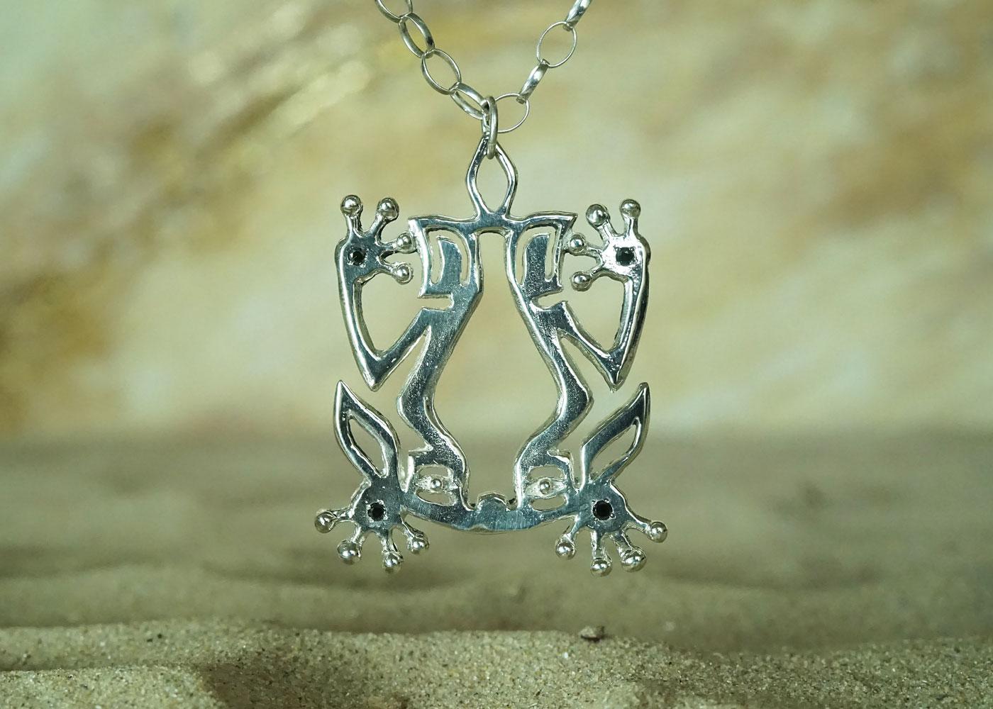 Telos Magic Shamanic Frog Silver Front Sand