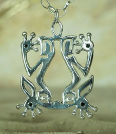 Telos Magic Shamanic Frog Silver Front Sand